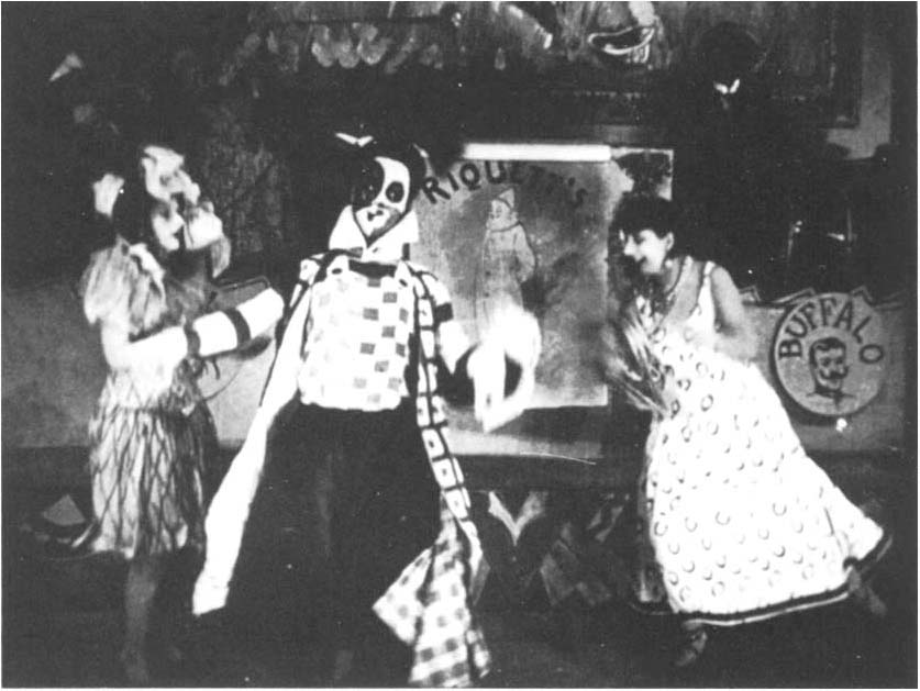 Bronia Perlmutter, la poupée, Jaque Catelain, le clown, et Kiki